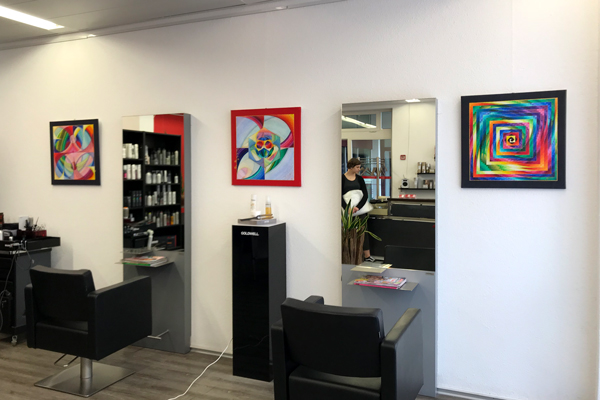 Ausstellung Herzpunkt Praxis Energiebilder Haireinspaziert
